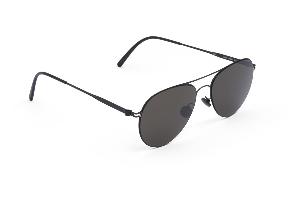 haffmans_neumeister_swift_black_black_grey_line_sunglasses_angle_102129.jpg