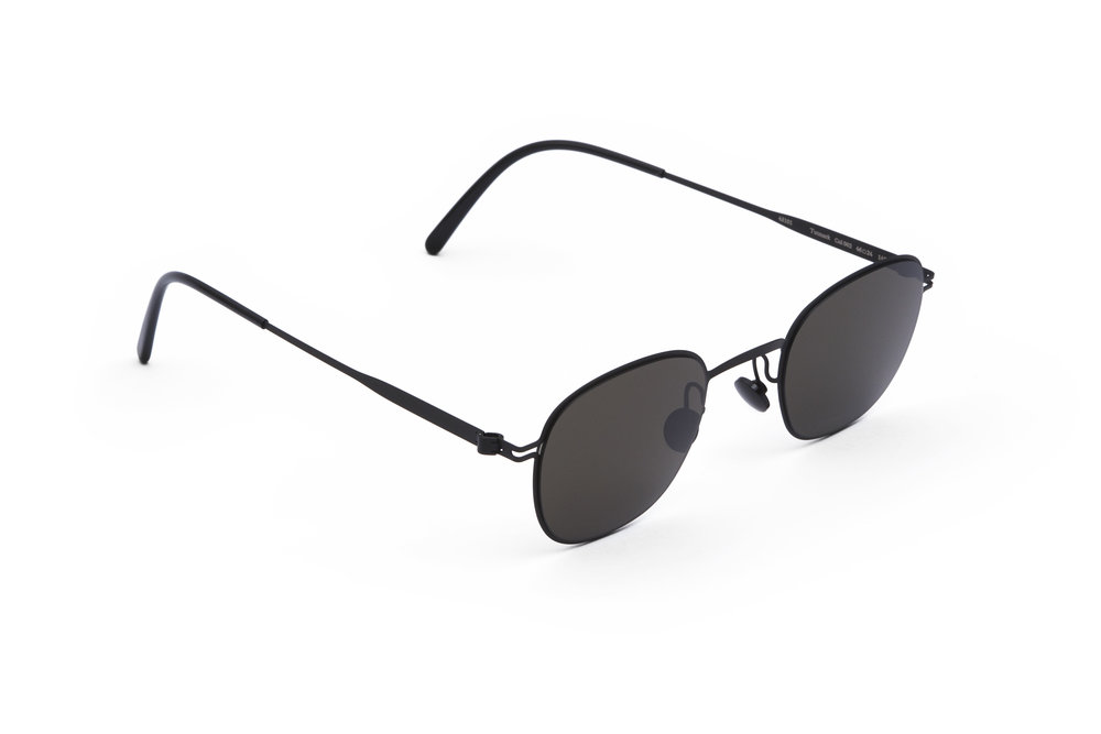 haffmans_neumeister_tutmark_black_black_grey_line_sunglasses_angle_102072.jpg