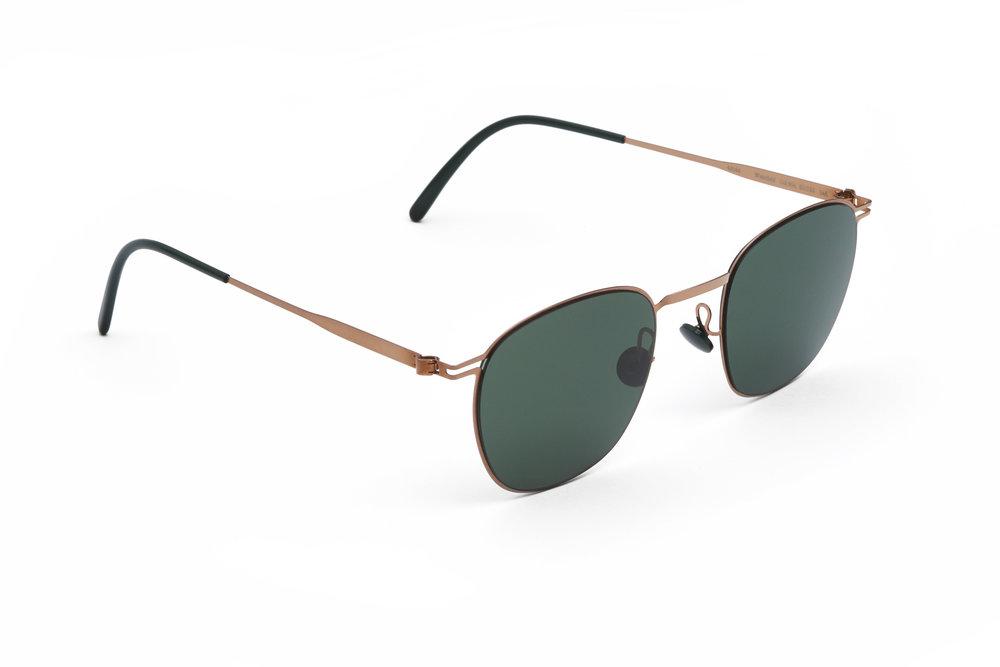 haffmans_neumeister_wakefield_rosegold_darkgreen_line_green_sunglasses_angle_102110.jpg