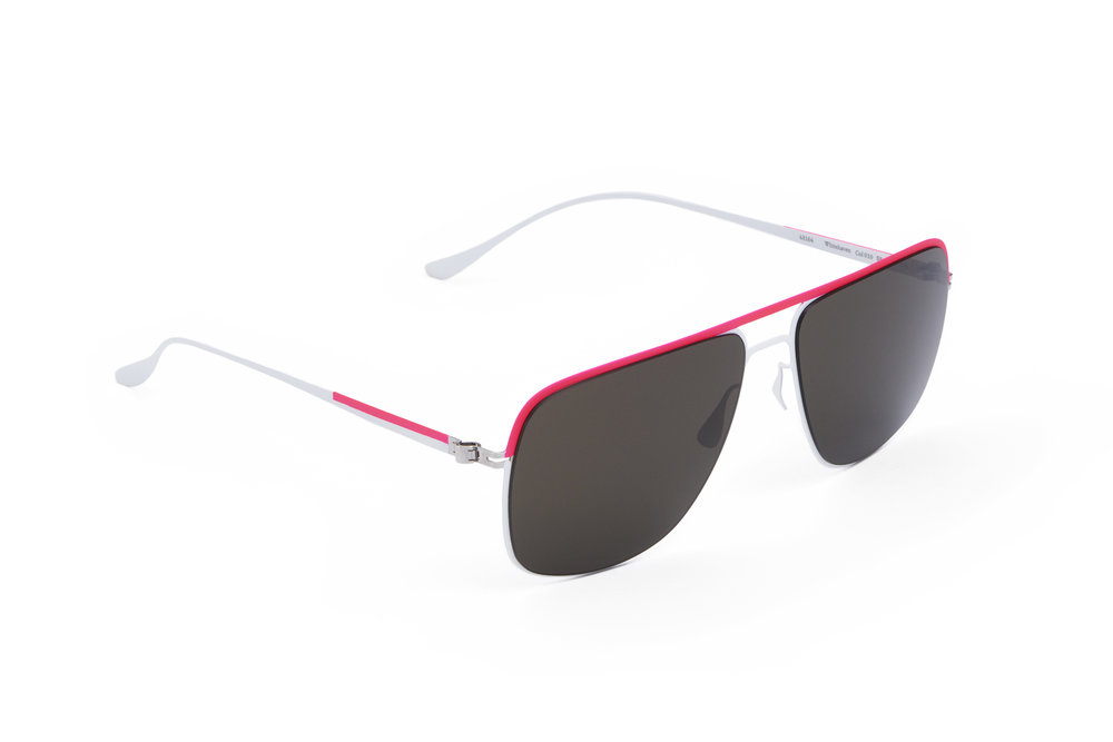 haffmans_neumeister_whitehaven_powder_candy_grey_p60_sunglasses_angle_102317.jpg