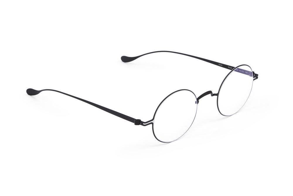 haffmans_neumeister_wraith_black_grey_line_sunglasses_angle_102239.jpg