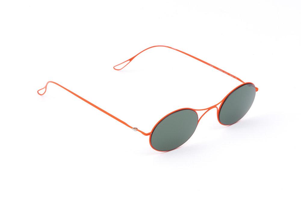 haffmans_neumeister_bricard_lavared_green_ultralight_sunglasses_angle_102356.jpg