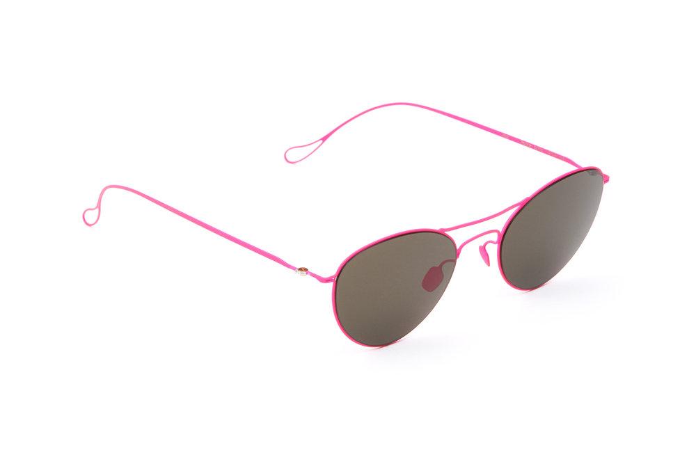 haffmans_neumeister_penrose_candypink_grey_ultralight_sunglasses_angle_102384.jpg
