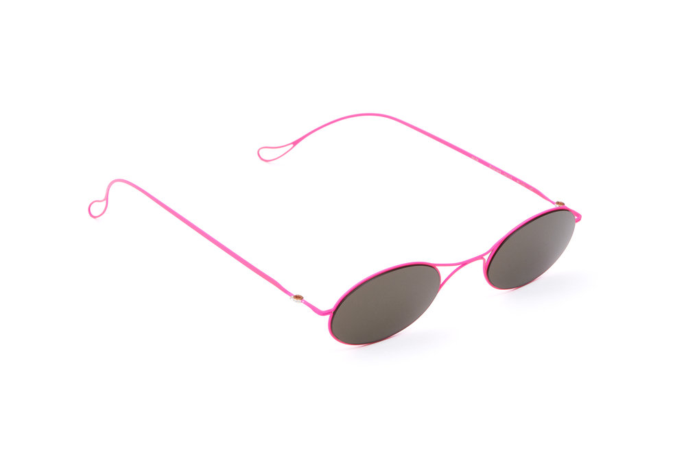haffmans_neumeister_poincare_candypink_grey_ultralight_sunglasses_angle_102388.jpg