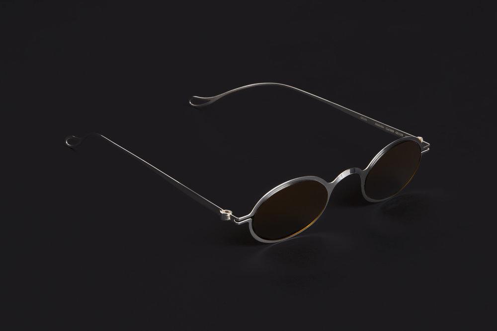haffmans_neumeister_absinthe_argentum_amber_brown_phasmid_sunglasses_angle_102222.jpg