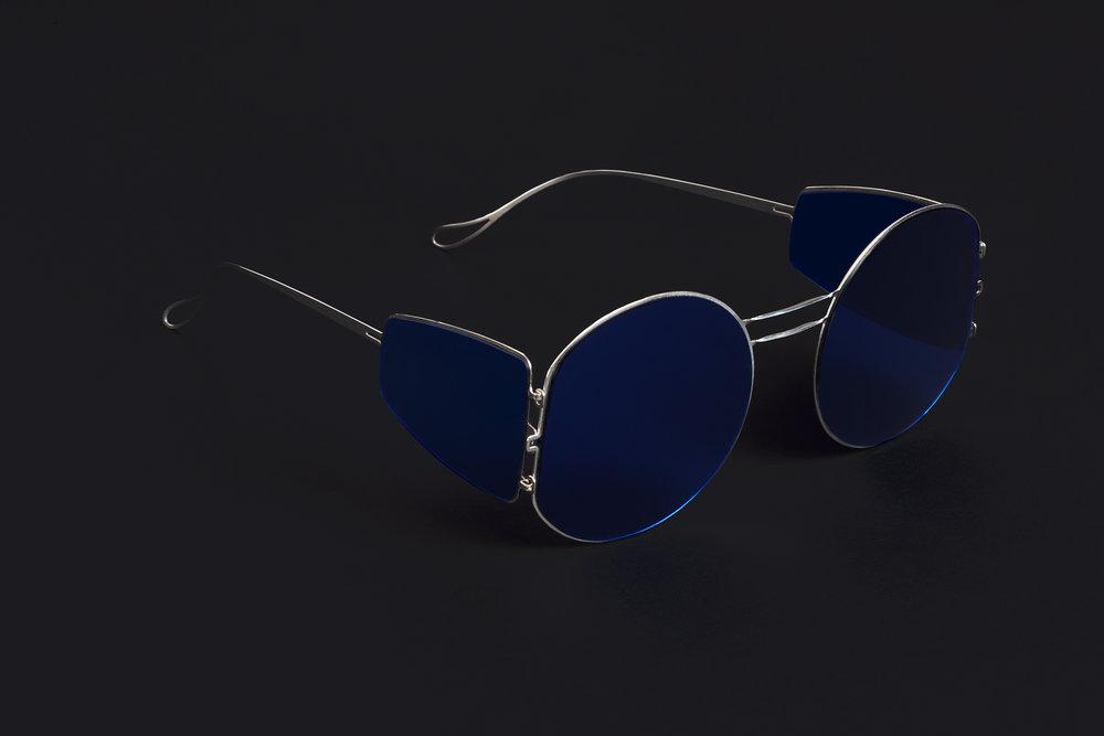 haffmans_neumeister_arsenic_argentum_litmus_blue_phasmid_sunglasses_angle_102243.jpg
