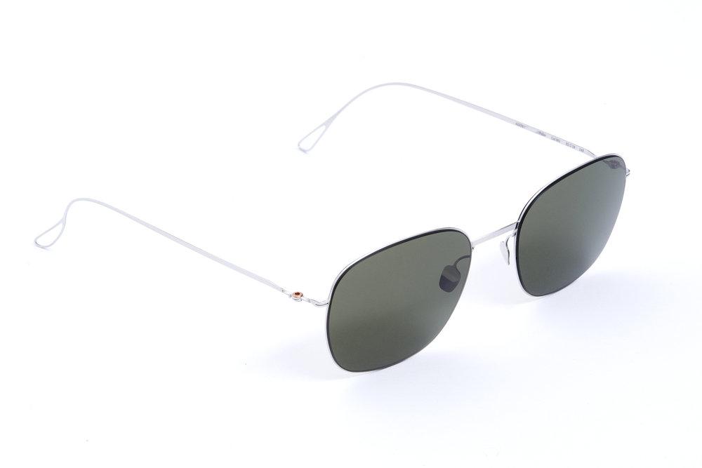 haffmans_neumeister_fuller_silver_g15_ultralight_sunglasses_angle_102395.jpg