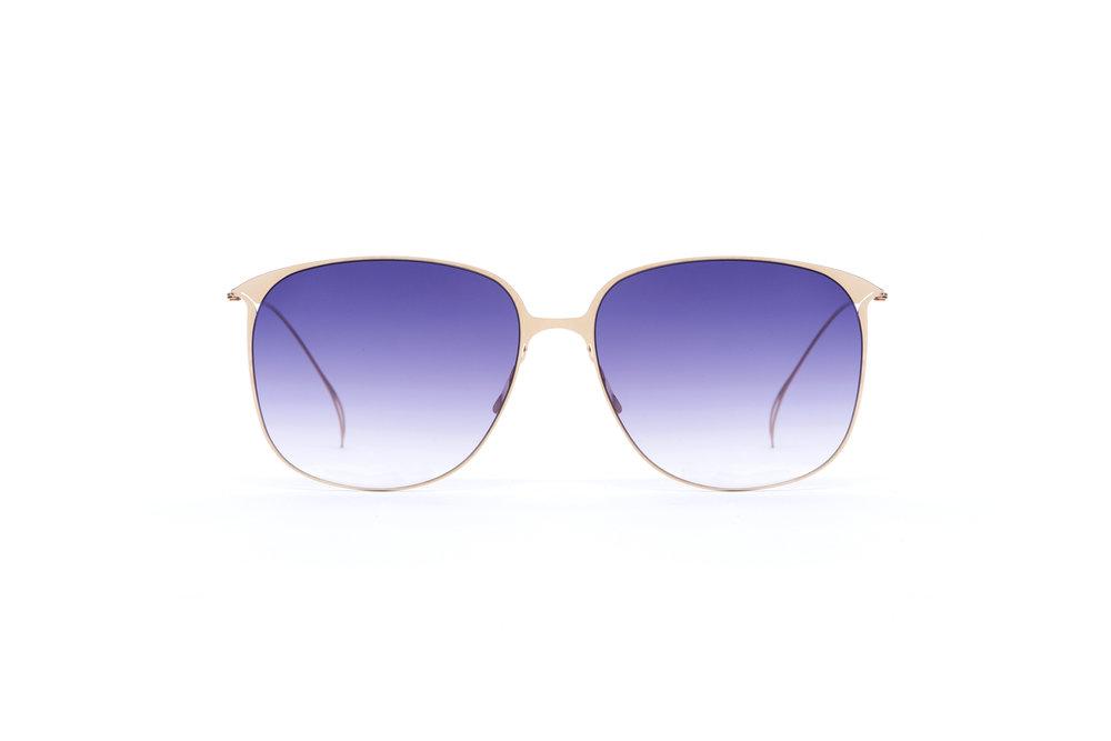 haffmans_neumeister_flannery_crémant_purple_rain_gradient_ultralight_sunglasses_front_102404.jpg