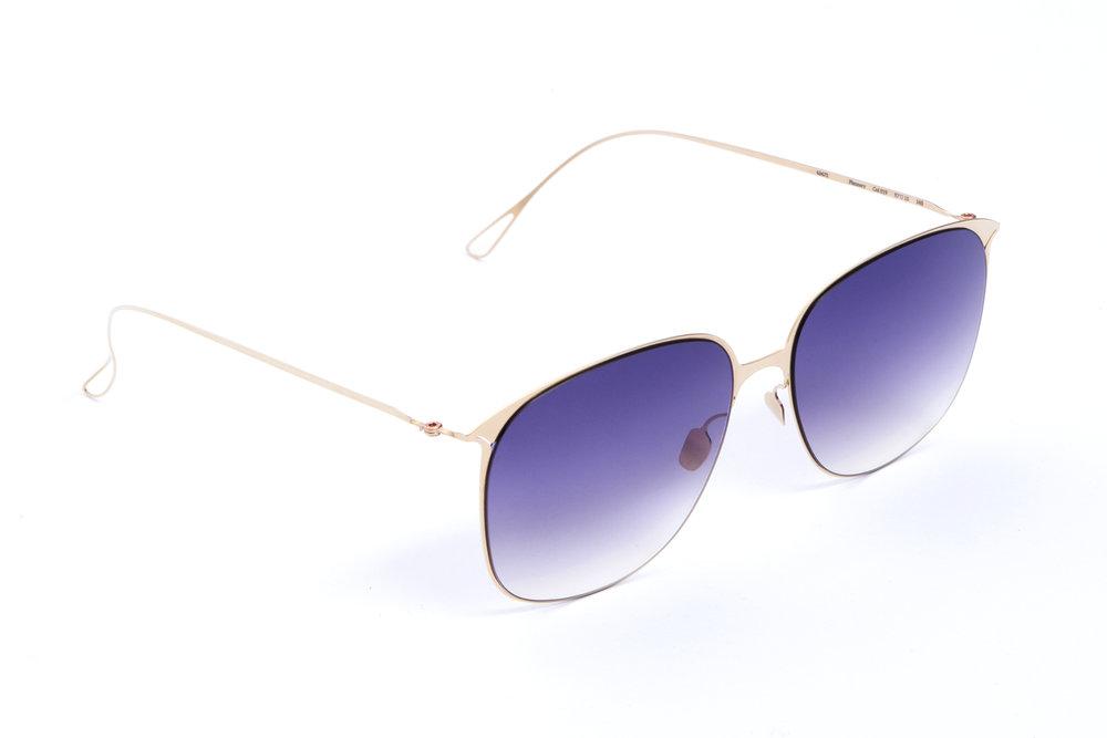 haffmans_neumeister_flannery_crémant_purple_rain_gradient_ultralight_sunglasses_angle_102404.jpg