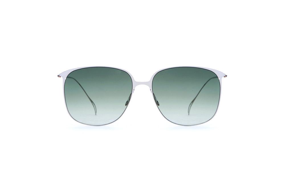 haffmans_neumeister_flannery_silver_amazon_gradient_ultralight_sunglasses_front_102402.jpg