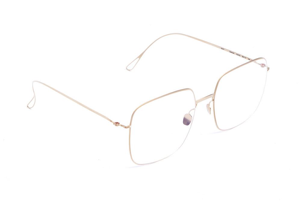 haffmans_neumeister_delavault_crémant_clear_ultralight_eyeglasses_angle_102407.jpg