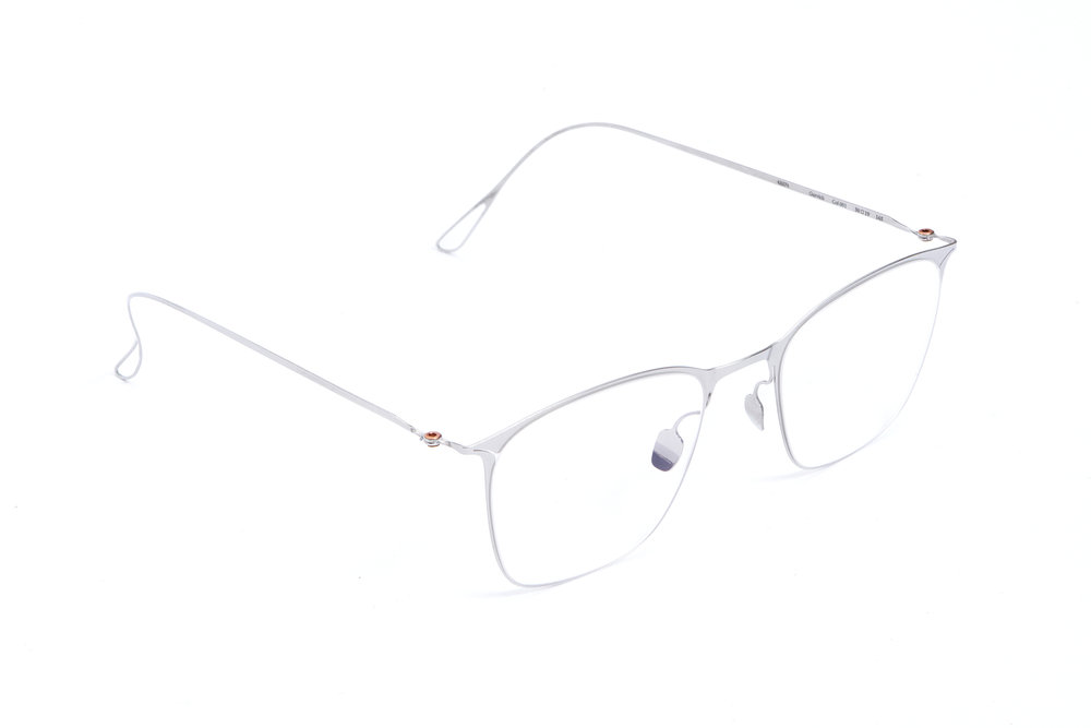 haffmans_neumeister_gurvich_silver_clear_ultralight_eyeglasses_angle_102418.jpg