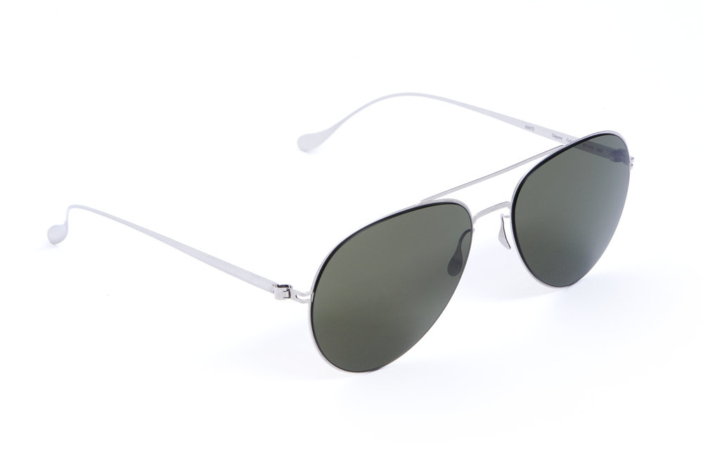 haffmans_neumeister_osprey_silver_green_g15_line_sunglasses_angle_102426.jpg