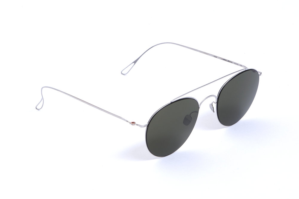 haffmans_neumeister_gray_silver_g15_ultralight_sunglasses_angle_102462.jpg