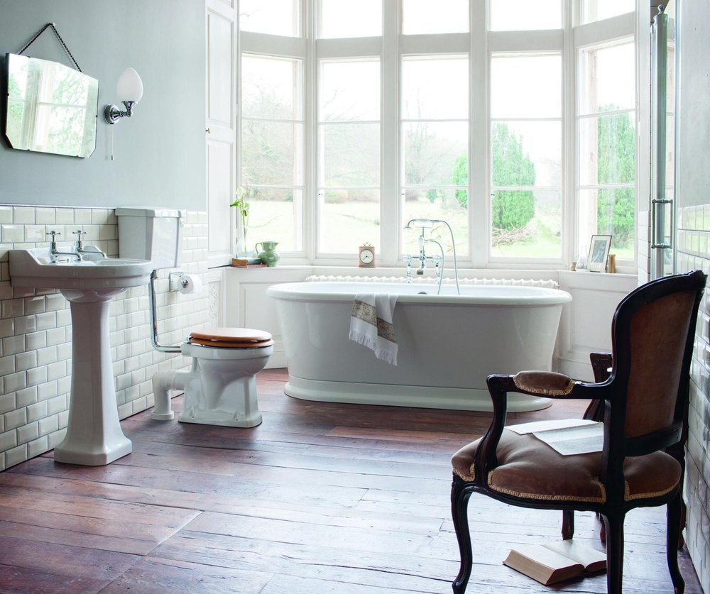 BURLINGTON - Burlington bathrooms bring a complete collection of traditional bathroom products to create a classical, British designed bathroom from past eras of great design. The Burlington range is extensive and well designed to suit personal preferences and coordinate perfectly. There are four eras of history reflected in the ceramic designs; Classic, Edwardian, Victorian and Contemporary with a selection of WC's and bidets available to match washbasins.Visit the Burlington Website