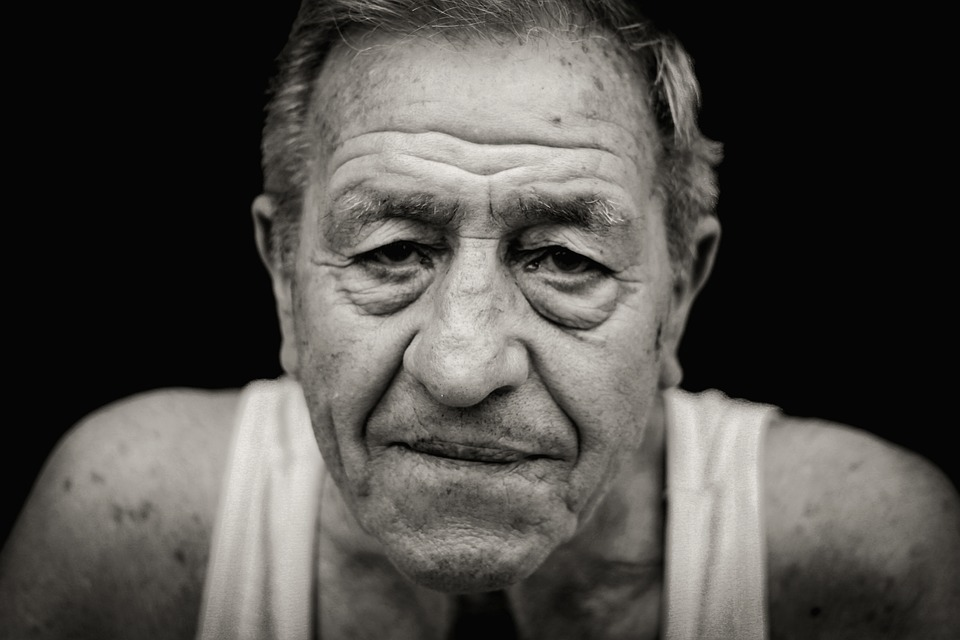Wrinkles-People-Senior-Look-Old-Man-Eyes-1547701.jpg