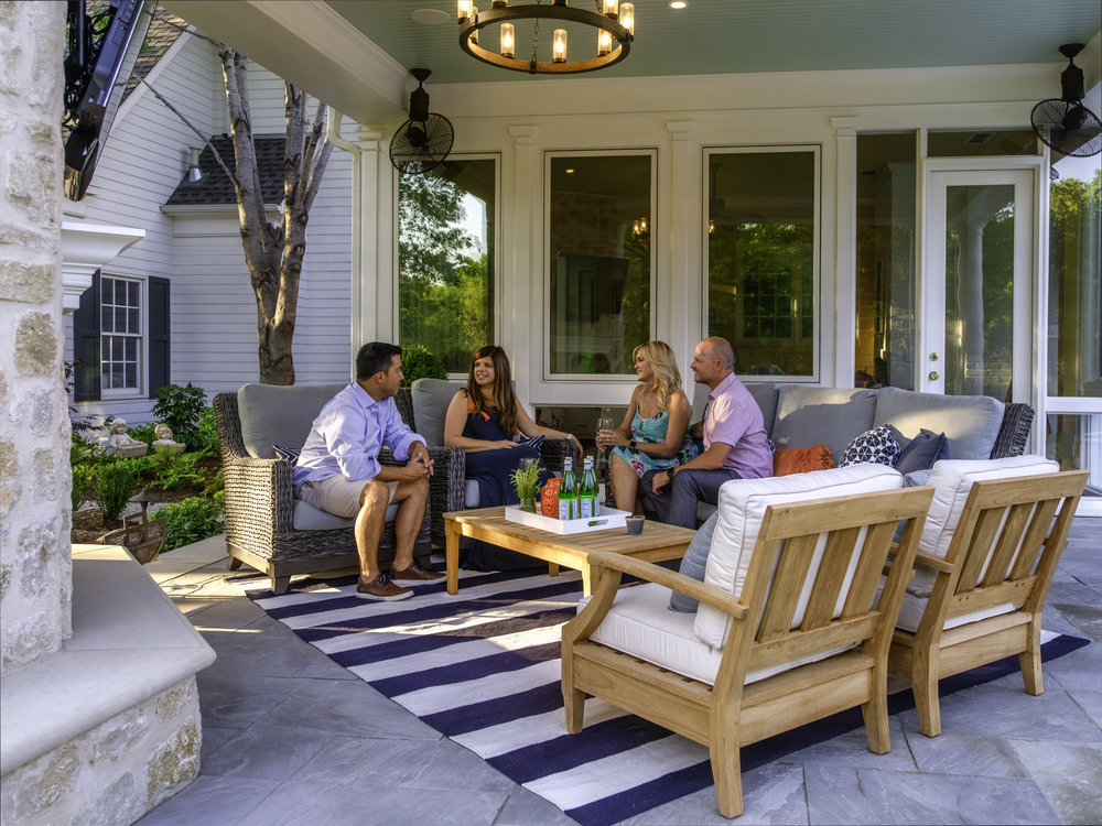 Southern Charm outdoor style combines classic blues and lots of cozy seating.