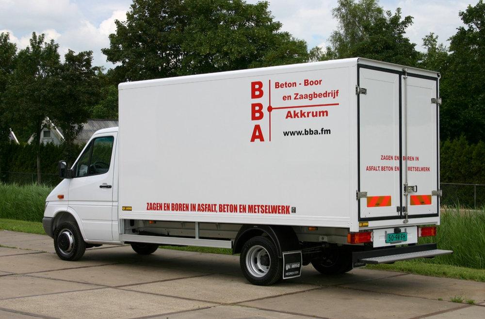 Beton boor en zaagbedrijf Akkrum gesloten carrosserie- 500kb.jpg