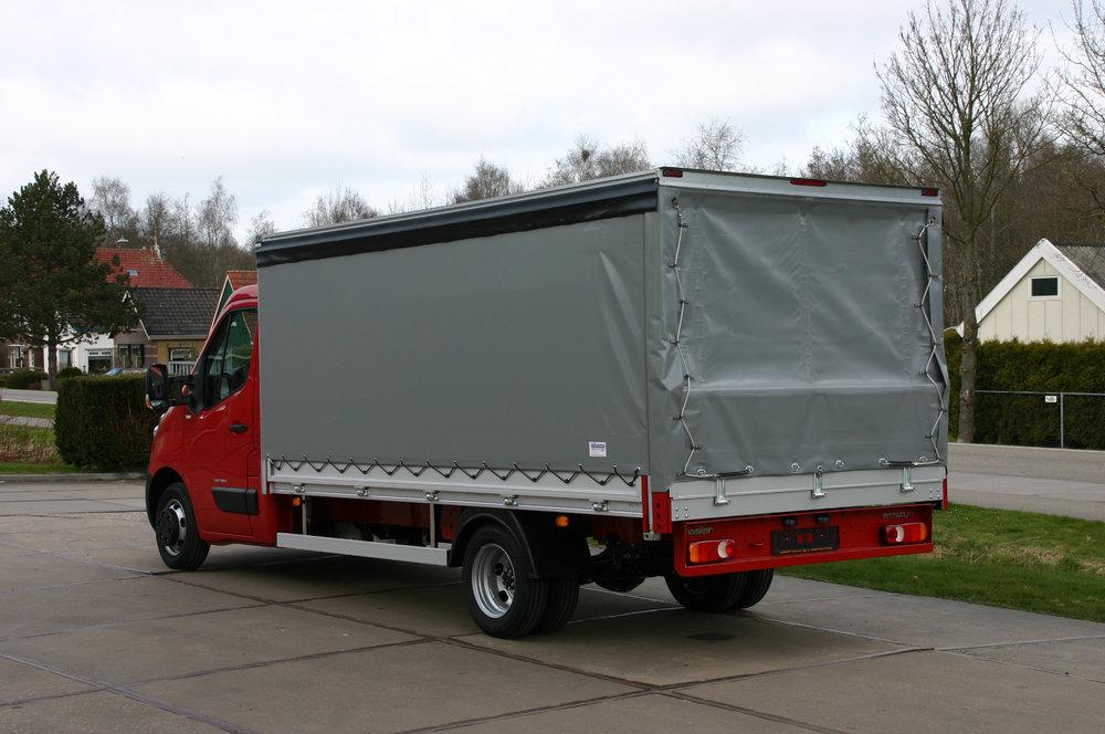 Bedrijfswagen met schuifzeilen opbouw-_.jpg
