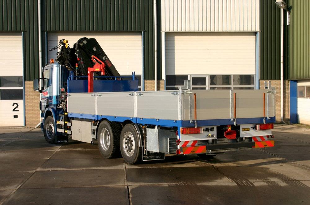 Achteraanzicht open laadbak Van der Werf logistics.jpg