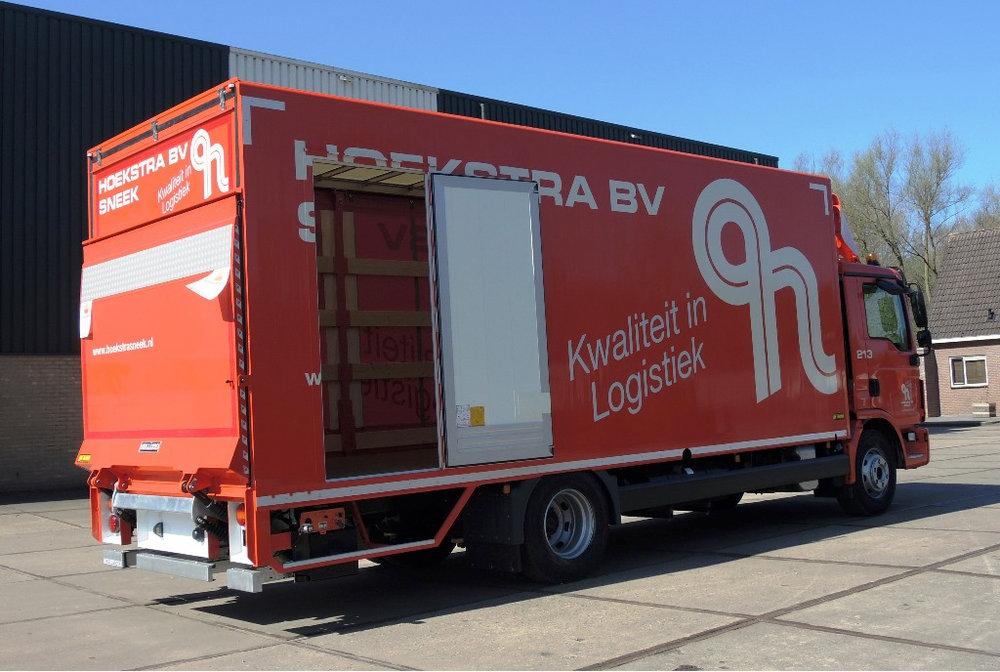 Gesloten carrosserie met aan 1 zijde schuifkleed voor Hoekstra Sneek (2 van 6).jpg