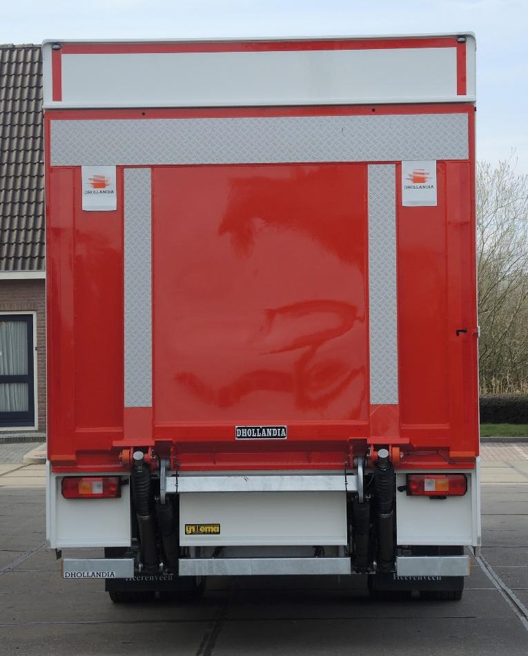 Gesloten plywood carrosserie voor transportbedrijf Kooiker te Grou (4 van 9).jpg