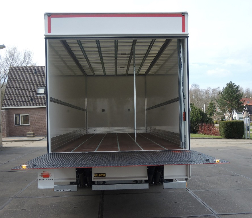 Gesloten plywood carrosserie voor transportbedrijf Kooiker te Grou (5 van 9).jpg