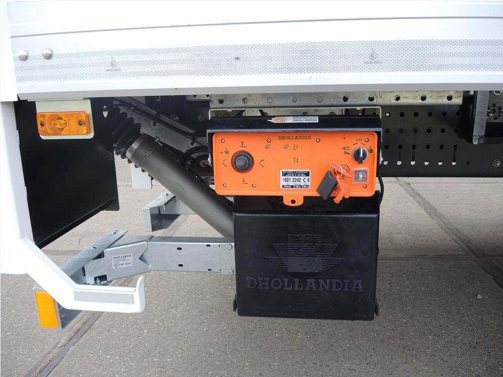 Gesloten plywood carrosserie voor transportbedrijf Kooiker te Grou (6 van 9).jpg