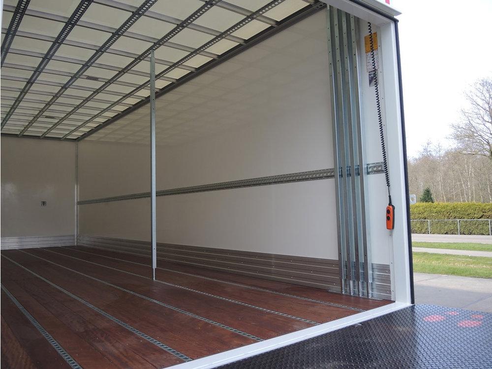 Gesloten plywood carrosserie voor transportbedrijf Kooiker te Grou (7 van 9).jpg