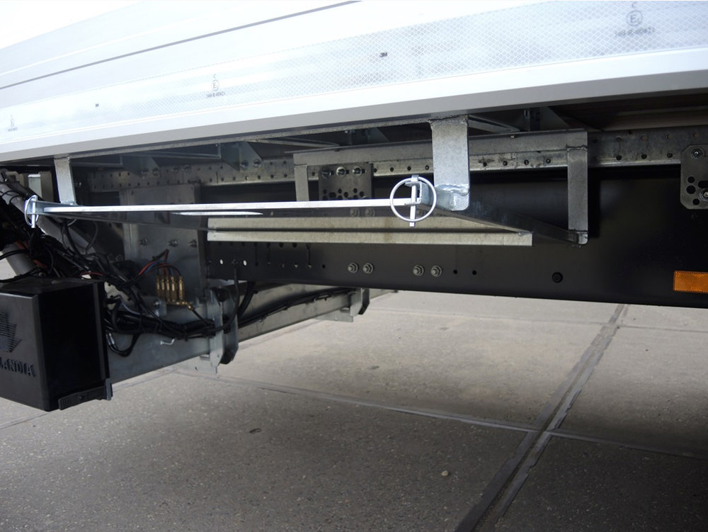 Gesloten plywood carrosserie voor transportbedrijf Kooiker te Grou (9 van 9).jpg