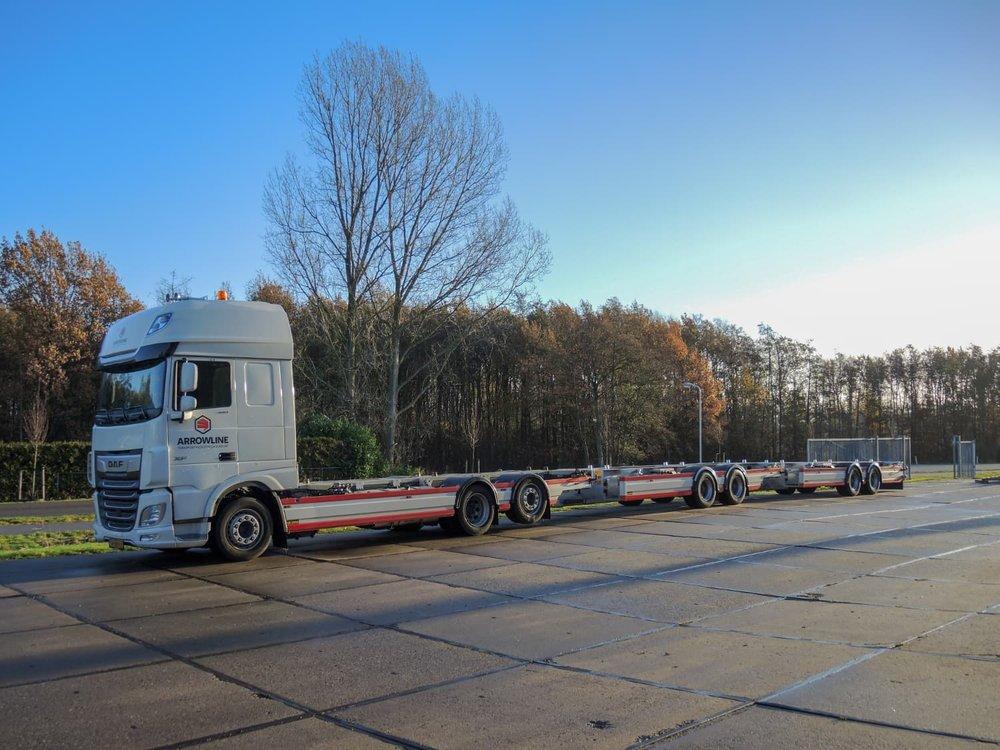 Middenas aanhangwagen Arrowline Amsterdam - zijaanzicht
