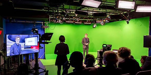 journalism-tv-studio