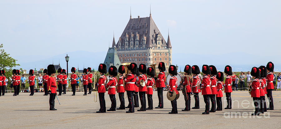changing-of-the-guard-the-citadel-quebec-city-edward-fielding.jpg