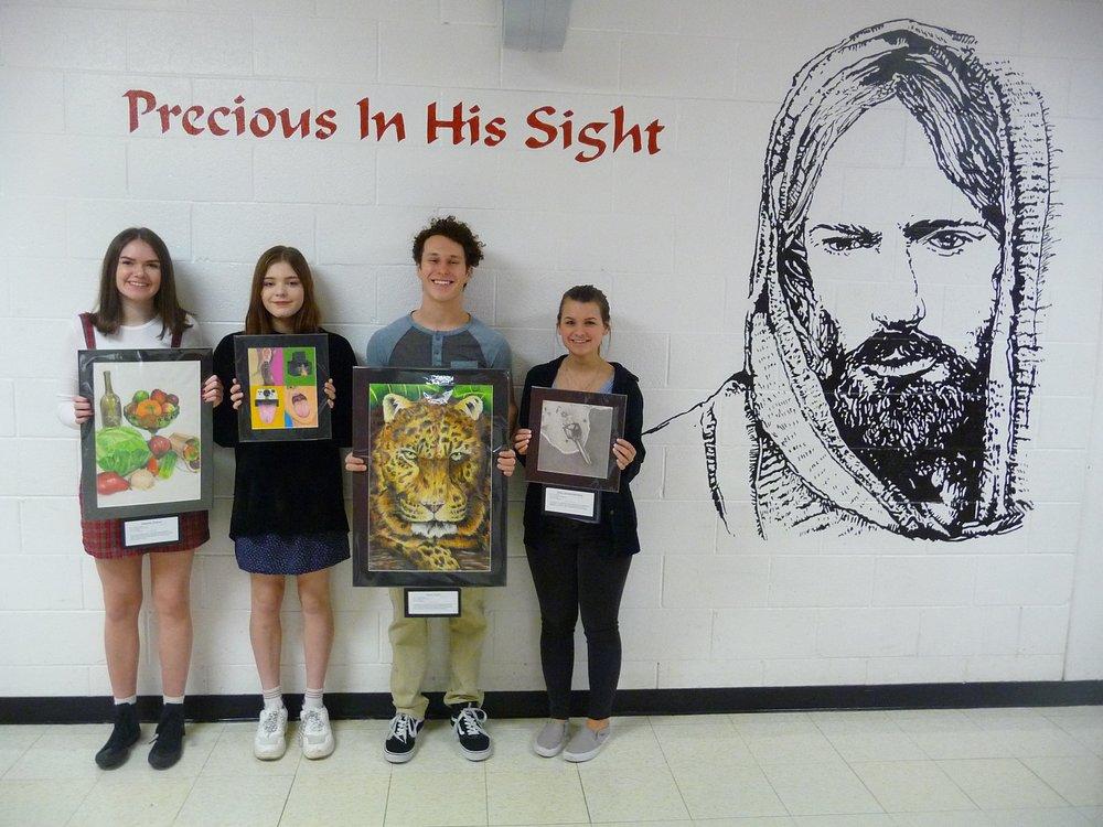 Melanie Siebert, Maddie Kasat, Aaron Gunn & Abby Schwichtenberg with their award-winning artwork