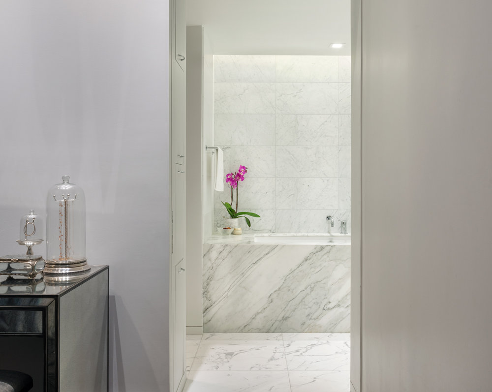 new-york-architect-adi-gershoni-master-bathroom-2.jpg