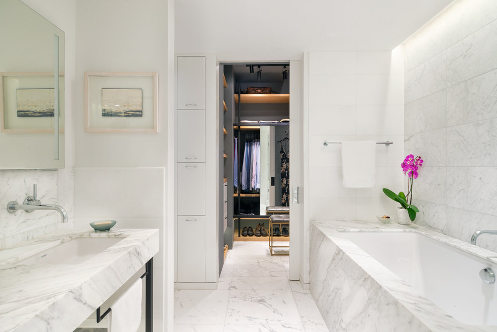 new-york-architect-adi-gershoni-master-bathroom-1.jpg