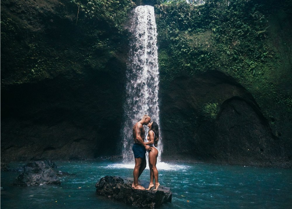adventure-waterfallkiss.jpg