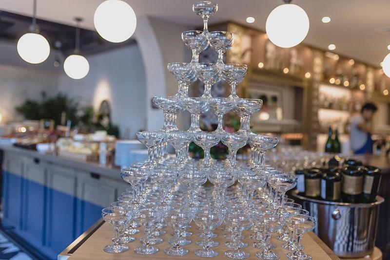 reception champagne.jpg