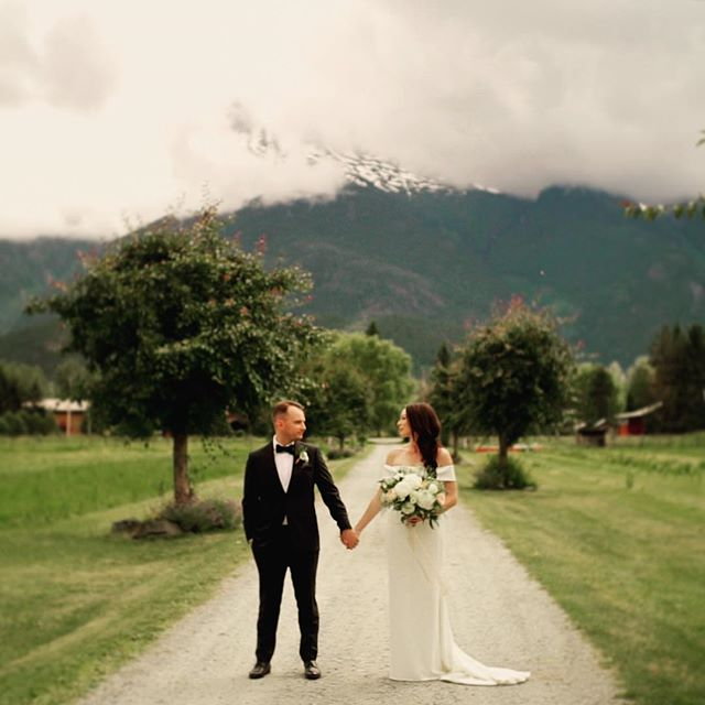 Love and Mountains! Our next post will be an amazing film about this wedding. A+J 💕🇨🇦🤟 #wedding #love #bride #pemberton #whistler #riverlands #lookslikefilm #hainesgetslazed #showmotion