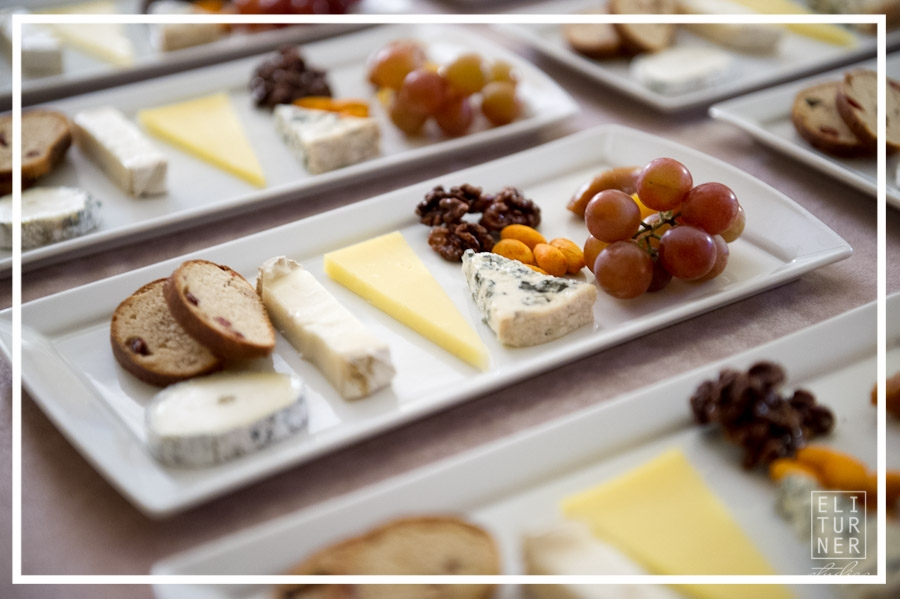 Delicious cheese tasting plate