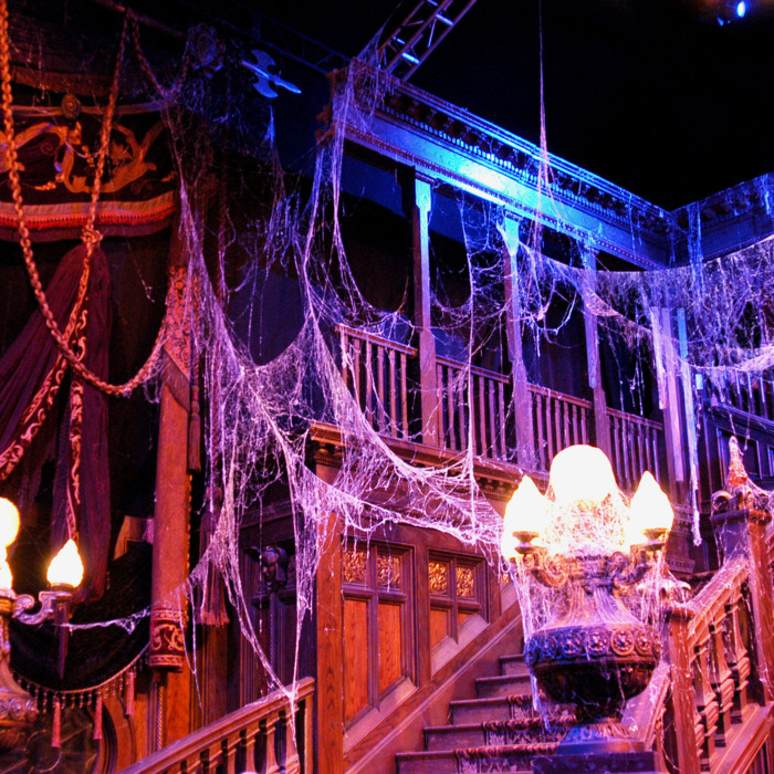 19-halloween-decor-lede.w700.h700.jpg