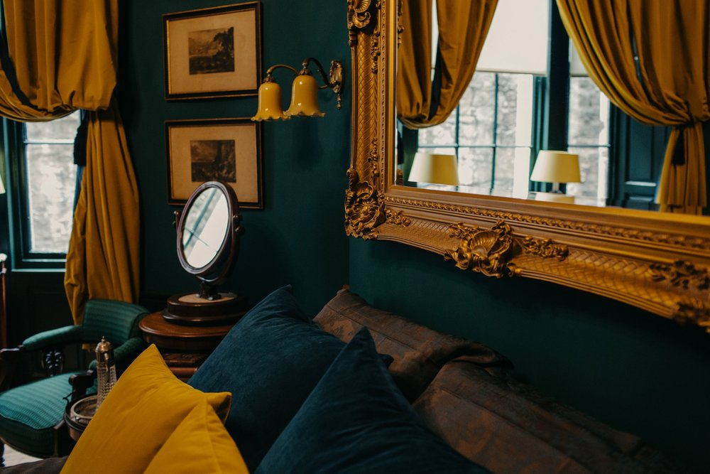 The Chaumer Abide - Our decadent guest suite in the heart of EdinburghWeek-day getaways now £100.00 per night! April and May only.