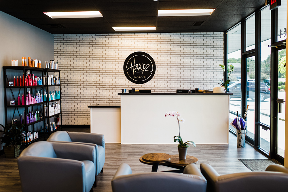 Headz-salon-front-desk.jpg