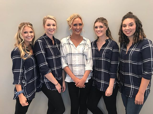 HOLY MOLY! This bridal party is GORGEOUS! Hope you had the most amazing day Bridgett! Congrats! ... .. . #louisvillesalon #louisvillehastylist #hairstylists #hairofinstagram #hairinspo #louisvillehair #louisvillestylist #welovelou #louisvilleky #louisvillelove #louisvillelife #welovelouisville #explorelouisville #louisvillekentucky #keeplouisvillelocal #keeplouisvilleweird #headzsalon #colorproof #louisvillelife #goldwell #goldwellus #louisvillewedding #louisvilleweddinghair
