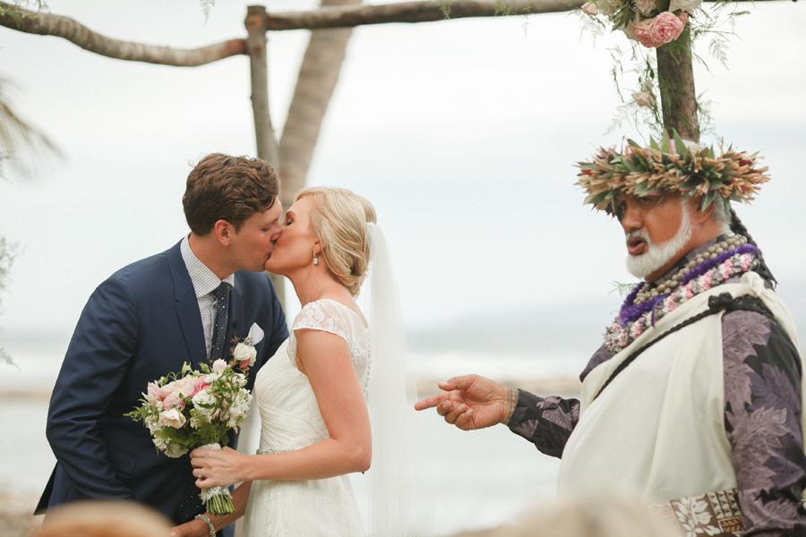 olowalu ceremony kiss