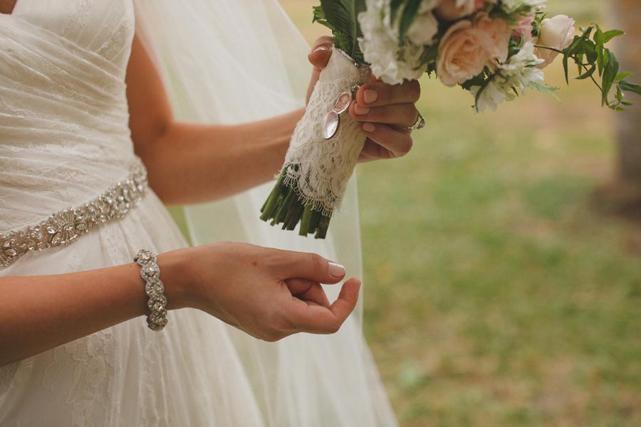 olowalu wedding bouquet