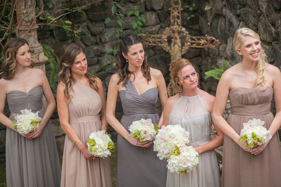 bridesmaid maui wedding photographer