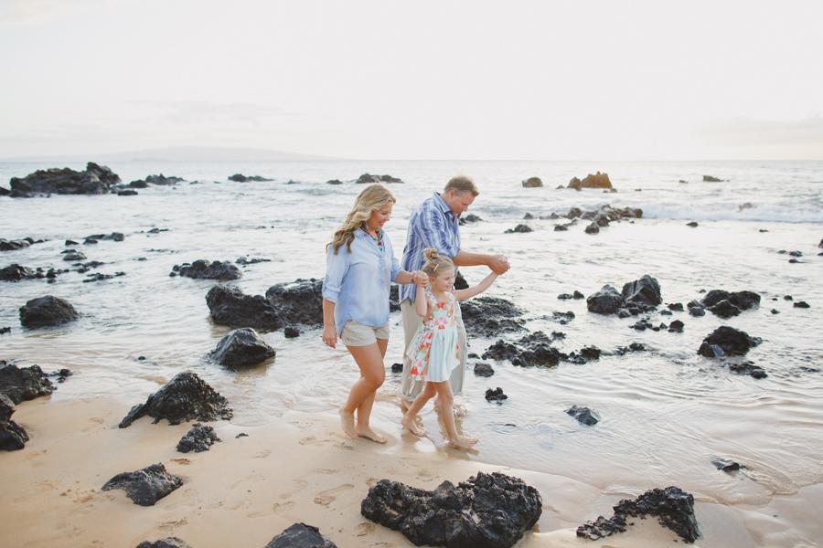 034-wailea-maui-sunset-family-photography