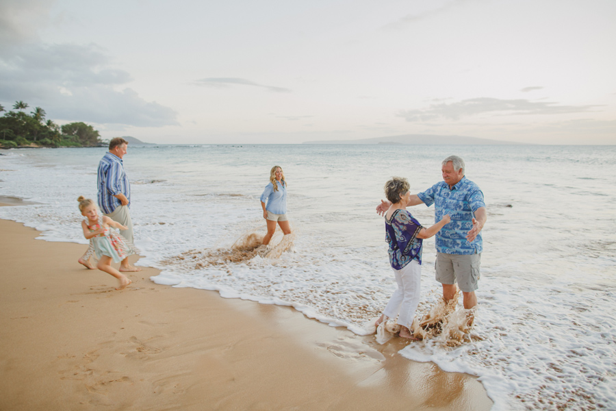 038-relaxed-maui-family-photography