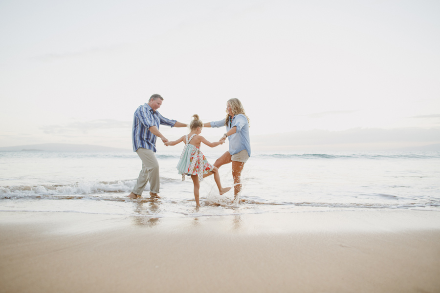 039-playing-maui-family-photography